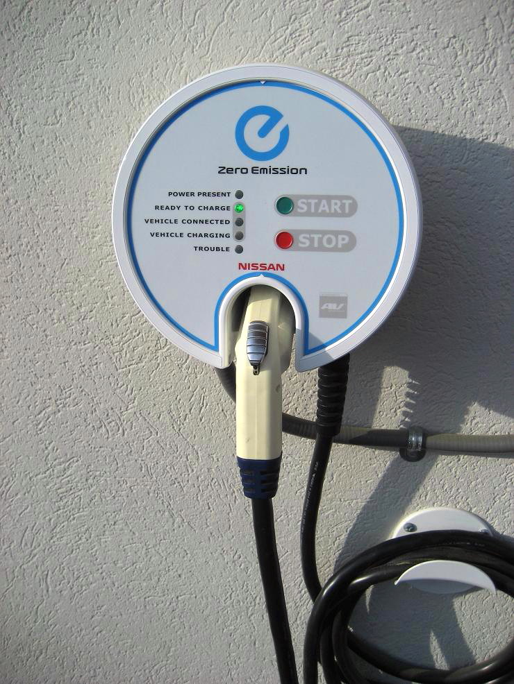 Leaf Unless You First Install Their Level 2 Charger In Your Home It S 240v Based Unit That Costs 1500 And Must Be Installed By A Certified Installer